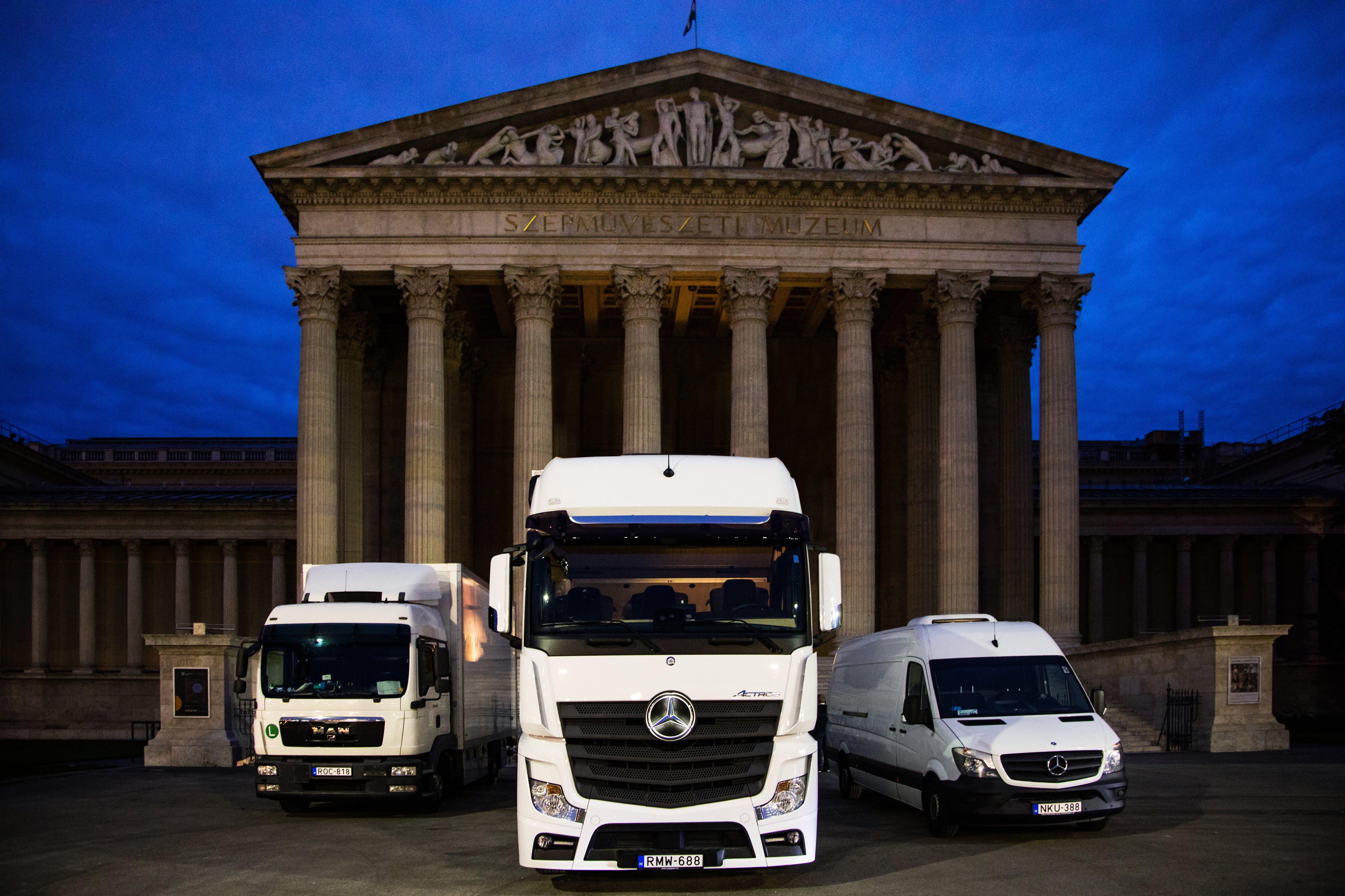MC trucks